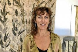 Simona Colzi estampa la memoria de las hojas en Formentera