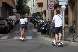 La Policía Local de Vila empezará a controlar la circulación de patinetes a partir del lunes