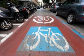 La Policía Local de Ibiza comienza una campaña informativa y sancionadora para patinetes y bicicletas