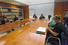 Consell y Sant Josep plantearán la renovación en bloque de los vecinos de Cala de Bou