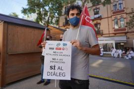 La protesta de los funcionarios públicos de Ibiza, en imágenes.
