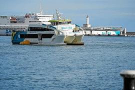 Baleària apunta a un «exceso de confianza» y a un «error humano» en el accidente del 'Eco Lux'