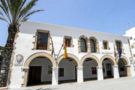 Santa Eulària ofrece su colaboración para acelerar los trabajos y que la fibra óptica llegue a Santa Gertrudis