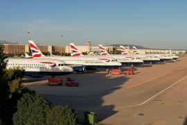 Aviones de British Airways estacionados en Son Sant Joan