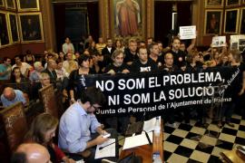 Protesta de funcionarios de Cort