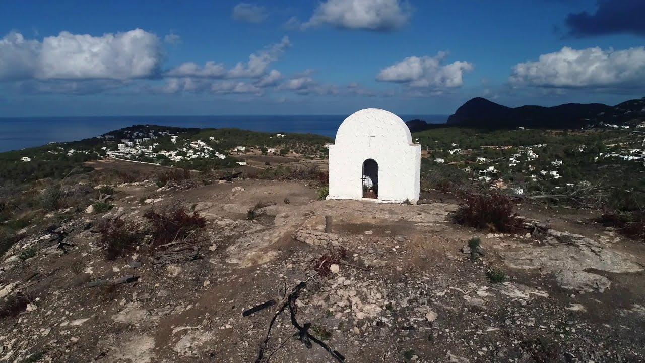 Sant Antoni y el Govern inician los trabajos de restauración de la zona incendiada de sa Talaia