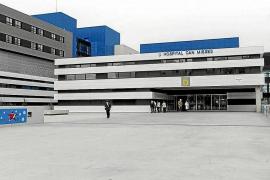 Anestesistas de Can Misses se despiden del médico que se suicidó