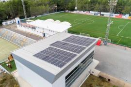 Sant Antoni instala las primeras placas fotovoltaicas en edificios municipales