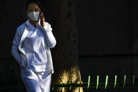 Un estudio en sanitarios detecta anticuerpos hasta tres meses después de la infección