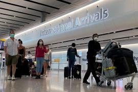 Reino Unido relaja las restricciones en los viajes y permitirá una cuarentena reducida a los viajeros