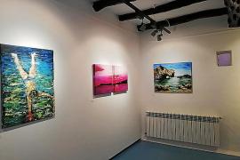 Matilde Hernández repasa el pasado y presente de las Pitiusas a través de sus cuadros