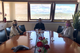 Vila y el Consell de Ibiza firman el convenio de colaboración para la financiación de los servicios sociales