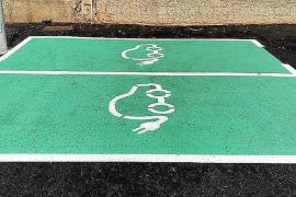 Dos puntos de recarga de vehículos eléctricos en la ITV de Santa Gertrudis