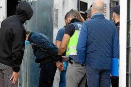 Heroína, 'coca', 13.000 € y 'narcosala' en Ibiza