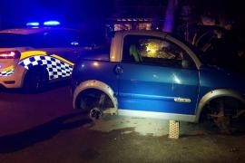 Libre con cargos un conductor que fue detenido en Sant Josep tras robar las cuatro ruedas de un coche