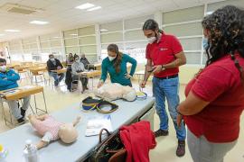 Un curso para que los taxistas de Ibiza «puedan salvar vidas»