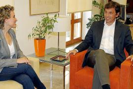 Los exalcaldes de Palma Aina Calvo (PSIB) y Mateu Isern (PP)