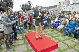 Rubalcaba llama a los socialistas a manifestarse hoy contra los Presupuestos