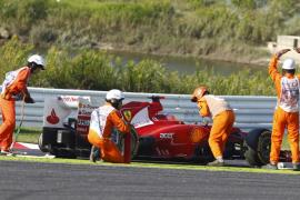 Vettel gana en Suzuka y se acerca a Alonso, que abandonó