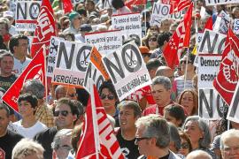 Miles de personas exigen en toda España un referéndum sobre los recortes