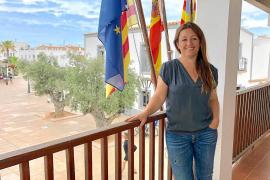 Alejandra Ferrer pide adaptar la constitución a lo «tiempos que corren»