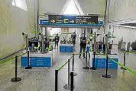 Pendientes de la exigencia de PCR para quienes viajen a Balears desde la Península