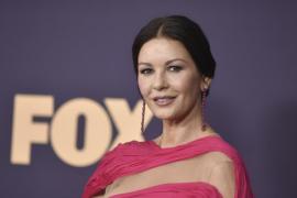 Catherine Zeta-Jones sufre un accidente mientras decoraba su casa por Navidad
