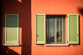Tipos de persianas que puedes instalar para decorar y proteger tu hogar