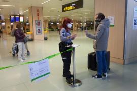 España permitirá que los viajeros de zonas de riesgo acrediten un negativo en Covid-19 con una prueba de TMA