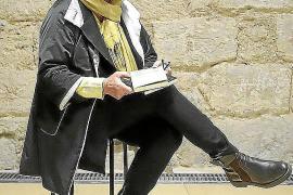 Un poema de Nora Albert sobre la violencia de género, traducido al asturiano