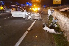 Accidente en la carretera de Santa Eulària, en imágenes.