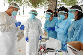 El Govern rectifica y asegura que los test de antígenos sí valen para cribados