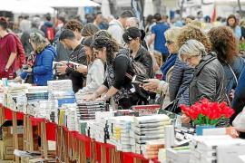 Las librerías de Ibiza se echan hoy a la calle para vivir su gran día