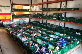 Vila y Carritos Solidarios recogen 7.200 kilos de alimentos y productos de primera necesidad por Navidad
