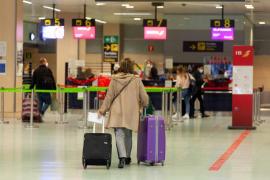 El aeropuerto de Ibiza operará 139 vuelos este fin de semana