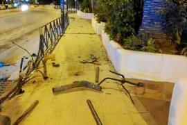 Triplica la tasa de alcohol tras tumbar con su coche un tramo de valla junto a Pacha