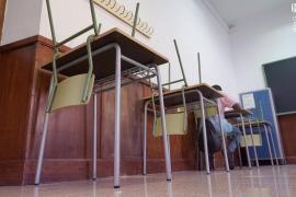 Una docena de alumnos pitiusos dan positivo en Covid-19 en la última semana