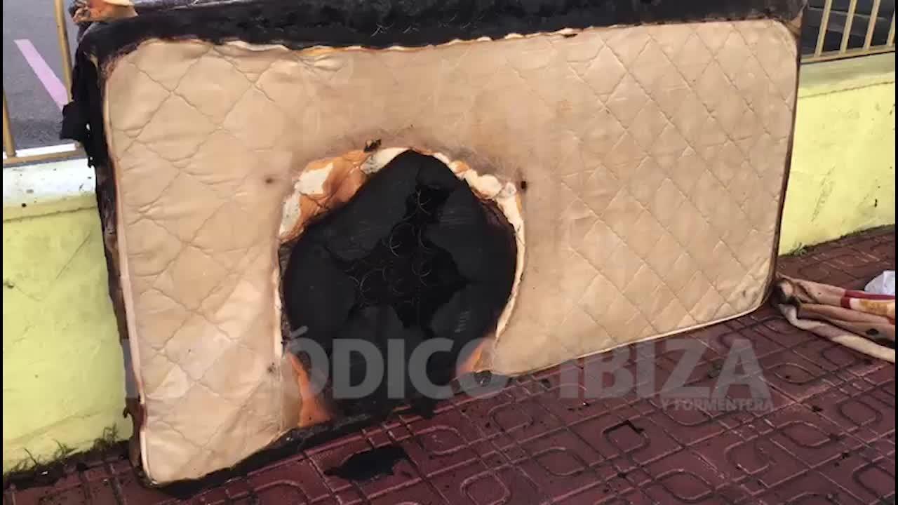 Sobresalto en Platja d'en Bossa por un incendio causado por un radiador