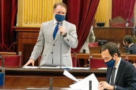 Pons asegura que el Govern pagará lo que le toque a cada Consell por el transporte
