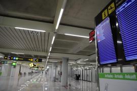 La policía impide la entrada de un pasajero británico en Palma por no ser residente