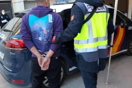 Detenidos dos hombres en Ibiza por varios robos con violencia e intimidación