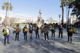 Partidos y entidades rinden homenaje al rey en Jaume