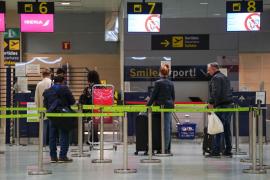 Entra en vigor la prórroga hasta el 19 de enero de la suspensión de los vuelos desde Reino Unido por la nueva cepa