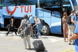El sector turístico balear da por perdida la Semana Santa y sitúa el inicio de la temporada en junio