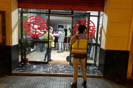 La policía intercepta a un niño de 9 años que trabajaba en la cocina de un restaurante