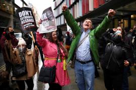 La Justicia británica rechaza la extradición de Assange a Estados Unidos