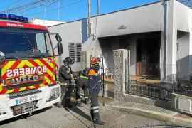 Una herida leve por quemaduras en el incendio de su vivienda en ses Païsses