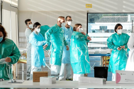 La vacunación empieza en Ibiza con 75 usuarios y 25 trabajadores de Sa Serra