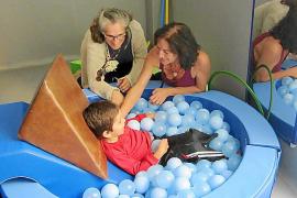 La Fundación La Caixa aporta 10.000 euros y material especial para Apneef