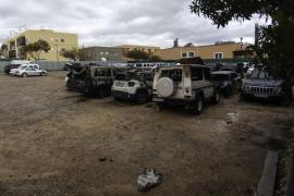 La Policía investiga las causas del incendio que calcinó una docena de coches en Cas Serres